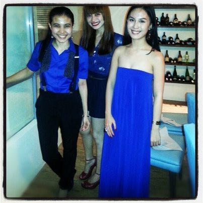 BLUE LADIES Sara Aunario, Shaira Luna, and Marbbie Tagabucba at M Cafe