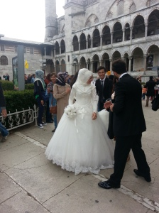 BRIDE AND GROOM AT BLUE MOSQUE